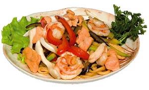 Лапша с жареными морепродуктами